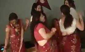 Nepalian ladies dancing