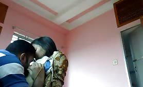 Romantic blowjob and kiss with Indian couple